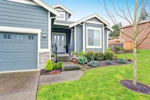 SAVVY WAYS TO IMPROVE YOUR CURB APPEAL WITH SIDING MAINTENANCE