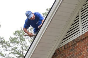 ULTIMATE GUIDE: HOMEOWNERS HANDBOOK TO ROOF MAINTENANCE