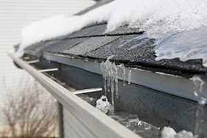 SIGNS OF A WINTER ROOF LEAK